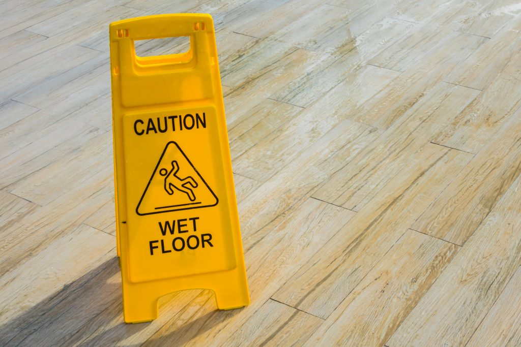 piso escorregadio